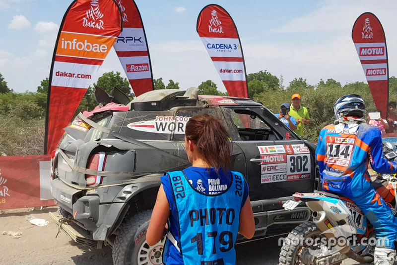 #302 X-Raid Team Mini: Nani Roma, Alex Haro accidentados tercera etapa