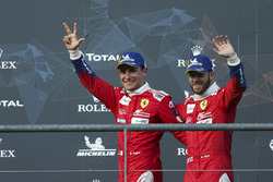 Podium du LMGTE Pro : les troisièmes #71 AF Corse Ferrari 488 GTE EVO: Davide Rigon, Sam Bird