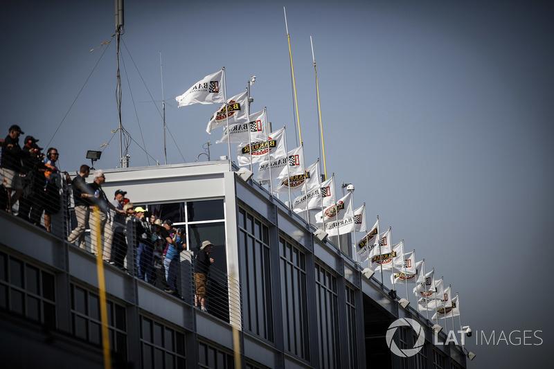 Des drapeaux