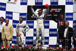 Podio: segundo lugar Nick Heidfeld, BMW Sauber F1; ganador de la carrera Robert Kubica, BMW Sauber F1, tercer lugar David Coulthard, Red Bull Racing