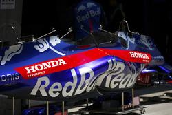 Carrozzeria Toro Rosso Honda in pit lane