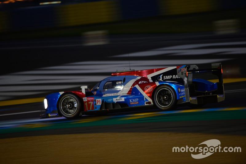 Около полуночи Матевос Исаакян разбил машину и вывел из игры и вторую машину SMP Racing под номером 17