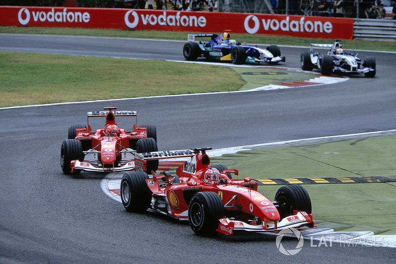 Rubens Barrichello, Ferrari F2004 ve Michael Schumacher, Ferrari F2004