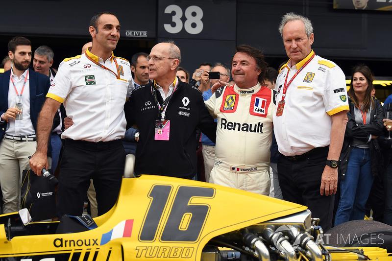 Керівник Renault Sport F1 Сіріль Абітбуль, Рене Арну, Алекс Меа, директор Renault Sport F1 Жером Сто