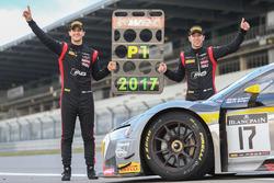 Yarış galibi ve şampiyon #17 Belgian Audi Club Team WRT Audi R8 LMS: Stuart Leonard, Robin Frijns