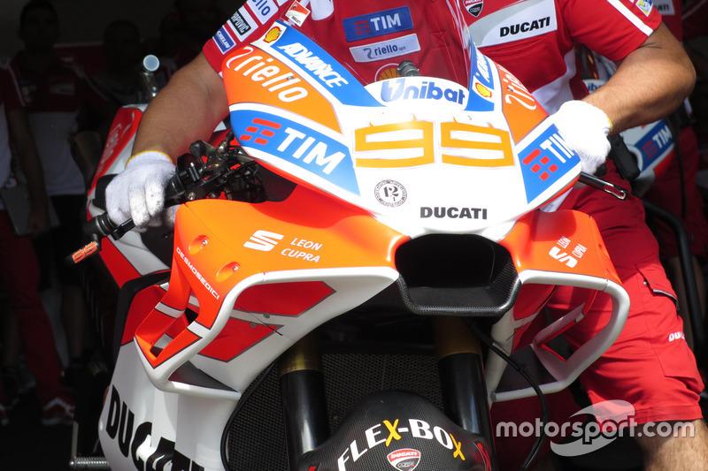 Detail fairing Jorge Lorenzo, Ducati Team