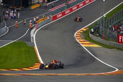Max Verstappen, Red Bull Racing RB13, Daniel Ricciardo, Red Bull Racing RB1