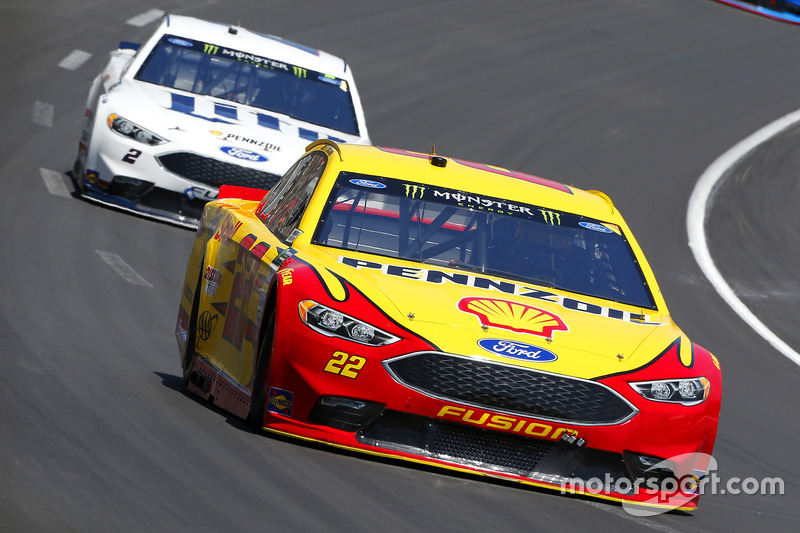 Joey Logano, Team Penske, Ford;  Brad Keselowski, Team Penske, Ford