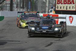 #10 Wayne Taylor Racing Cadillac DPi: Ricky Taylor, Jordan Taylor