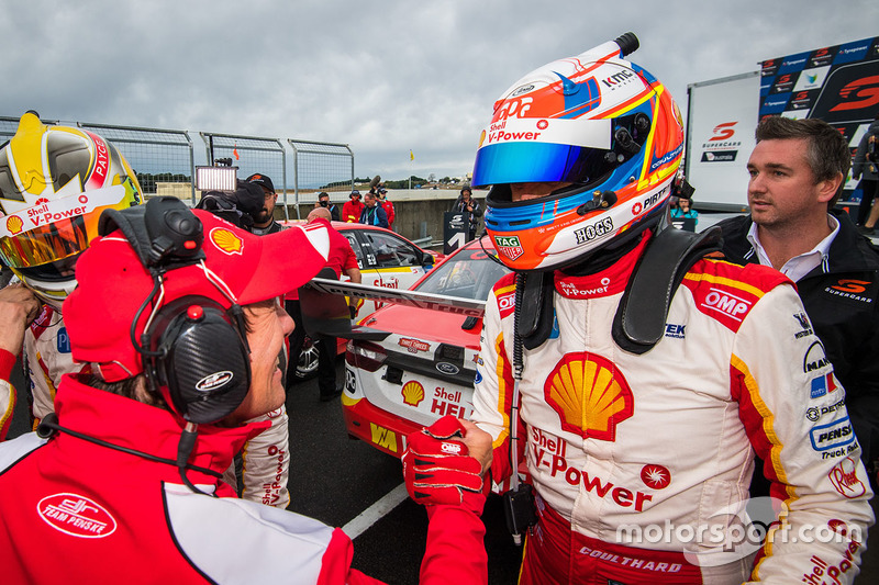 1. Fabian Coulthard, Team Penske, Ford, mit Ludo Lacroix
