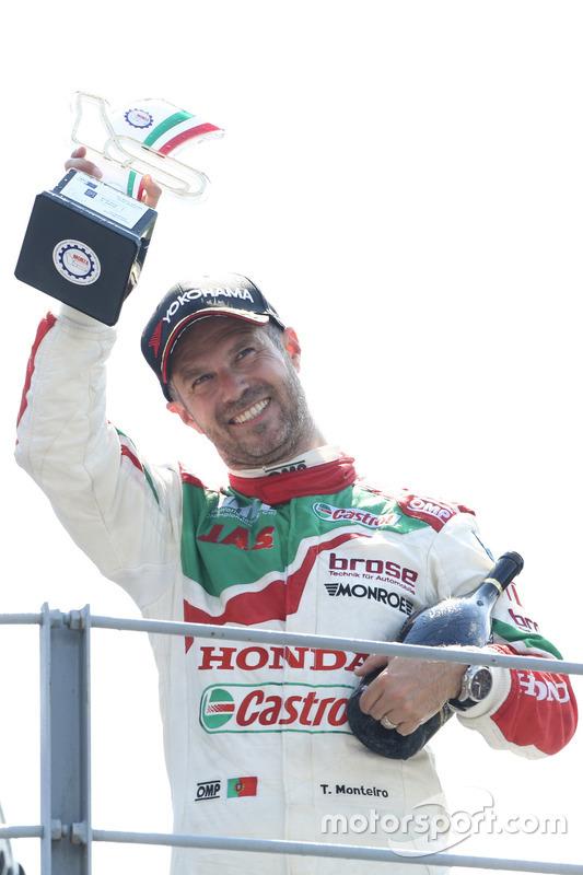 Podium: Tiago Monteiro, Honda Racing Team JAS, Honda Civic WTCC
