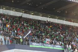 Des fans de Kawasaki