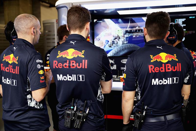 Red Bull Racing garage atmosphere