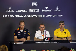 Paul Monaghan, Red Bull Racing RB13 Chief Engineer, Paddy Lowe, Williams Shareholder and Technical Director and Nick Chester, Renault Sport F1 Team RS17 Technical Director