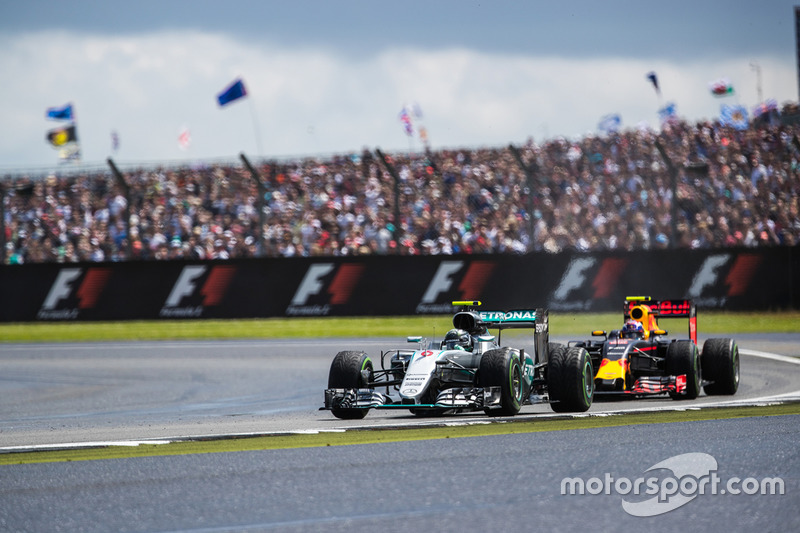 Nico Rosberg, Mercedes AMG F1 W07 Hybrid and Max Verstappen, Red Bull Racing RB12
