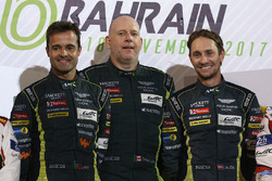 Podio LMGTE AM: al primo posto Paul Dalla Lana, Pedro Lamy, Mathias Lauda, Aston Martin Racing