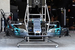 Mercedes-Benz F1 W08  nose and front wing
