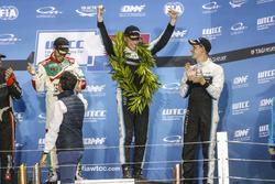 Podium: Worldchampion Thed Björk, Polestar Cyan Racing, Volvo S60 Polestar TC1, Esteban Guerrieri, H