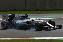 Льюіс Хемілтон, Mercedes F1 W06, перегальмовує