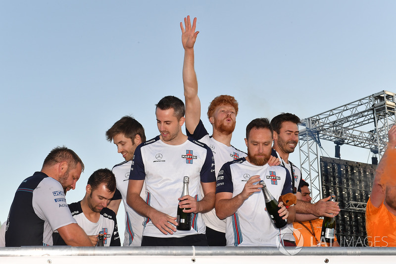 Williams celebrate at the raft race
