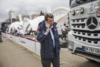 Bruno famin teambaas van Peugeot Sport in het bivak
