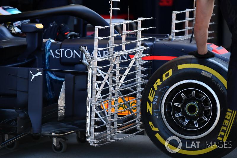 Daniel Ricciardo, Red Bull Racing RB14, con parrillas aerodinámicas