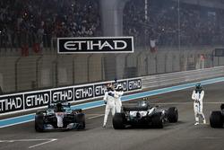 Second place Lewis Hamilton, Mercedes AMG F1, Race winner Valtteri Bottas, Mercedes AMG F1, celebrate