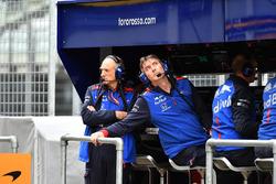 Franz Tost, Scuderia Toro Rosso Team Principal and James Key, Scuderia Toro Rosso Technical Director on pit wall gantry