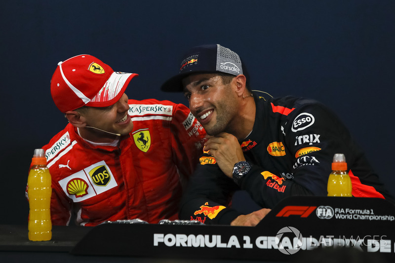 Sebastian Vettel, Ferrari, Daniel Ricciardo, Red Bull Racing