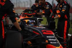 Daniel Ricciardo, Red Bull Racing RB14 on the grid
