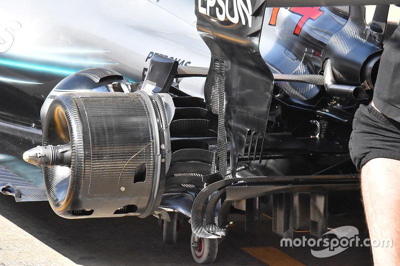 Mercedes AMG F1 W09  achterremmen