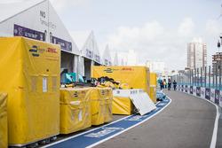 Des conteneurs DHL