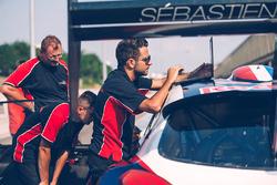Sébastien Loeb tests the Peugeot 208 Pikes Peak