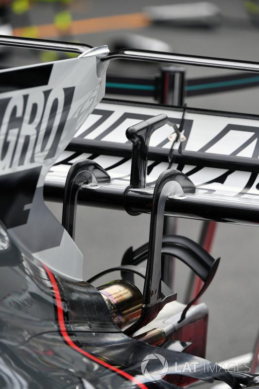 تفاصيل الجناح الخلفي لسيارة هاس