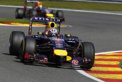 Daniel Ricciardo, Red Bull Racing RB10, leads Sebastian Vettel, Red Bull Racing RB10