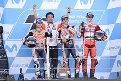 المنصة: الفائز بالسباق مارك ماركيز، ريبسول هوندا، المركز الثاني داني بيدروسا، ريبسول هوندا، المركز الثالث خورخي لورينزو، فريق دوكاتي