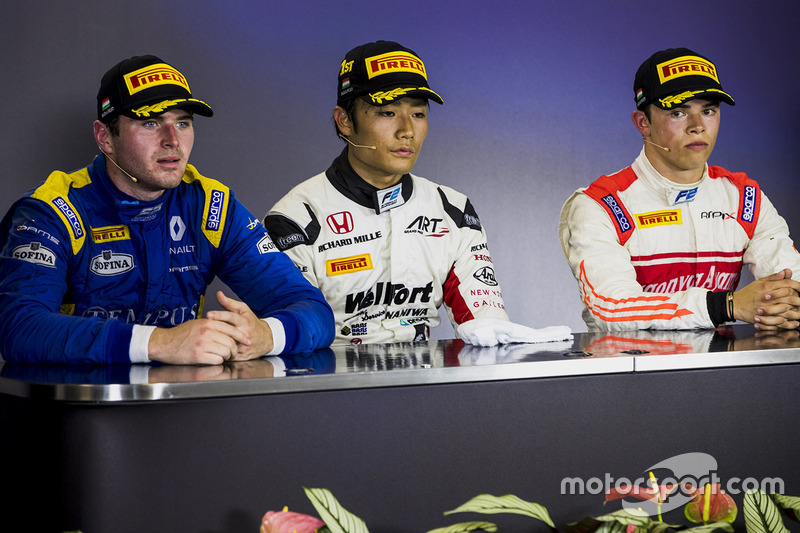 Conferencia de prensa: ganador Nobuharu Matsushita, ART Grand Prix, segundo lugar Oliver Rowland, DAMS, tercer lugar Nyck De Vries, Rapax
