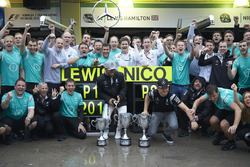 (L to R): Race winner Lewis Hamilton, Mercedes AMG F1 and second place team mate Nico Rosberg, Merce