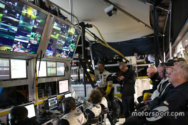 Corvette Racing garage atmosphere