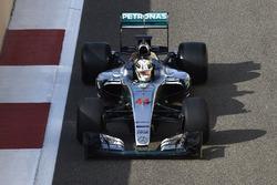 Тесты шин Pirelli 2017 года: Льюис Хэмилтон, Mercedes F1