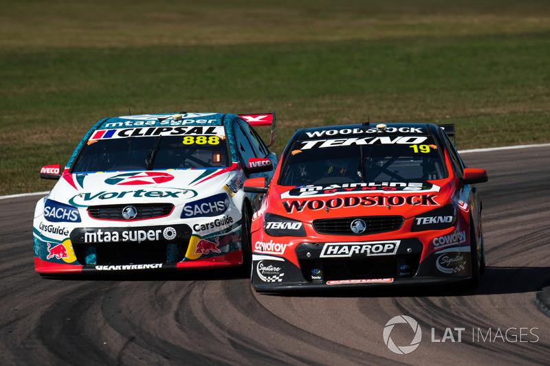 Will Davison, Tekno Autosports Holden, Craig Lowndes, Triple Eight Race Engineering Holden