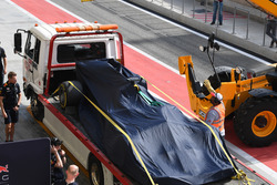 Daniel Ricciardo, Red Bull Racing RB13 terug in de pits na probleem