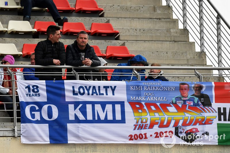 Fan e cartelloni per Kimi Raikkonen, Alfa Romeo Racing