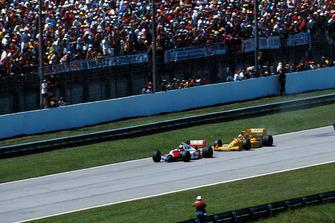 Ayrton Senna, McLaren MP4/5; Nelson Piquet, Lotus 101