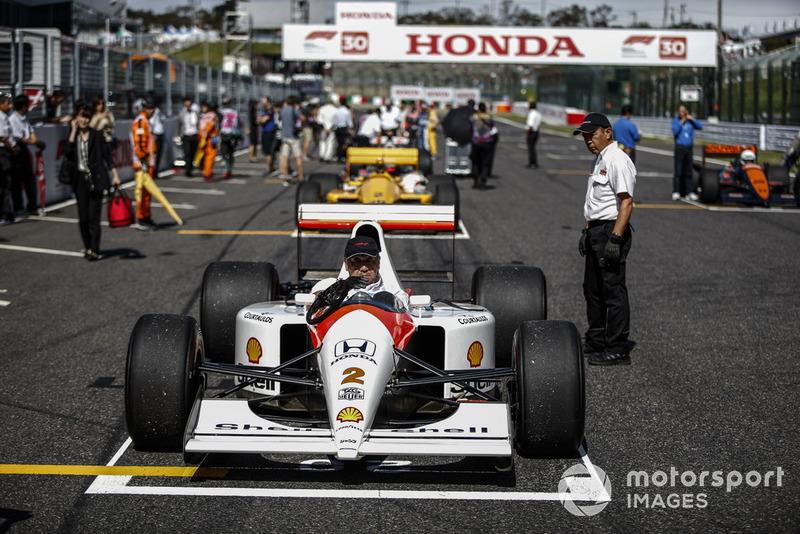 Takuma Sato, McLaren Honda MP4-7A lors des Legends F1 30th Anniversary Lap Demonstration