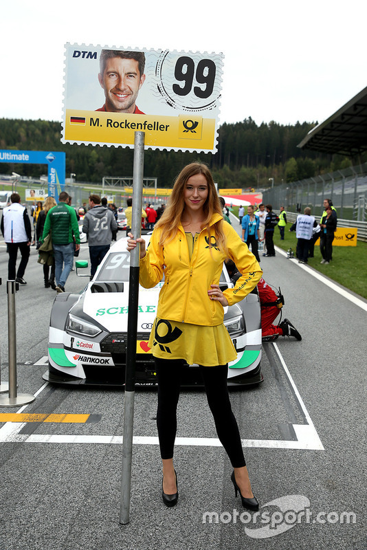 La grid girl di Mike Rockenfeller, Audi Sport Team Phoenix