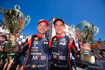 Les deuxièmes Thierry Neuville, Nicolas Gilsoul, Hyundai i20 WRC, Hyundai Motorsport