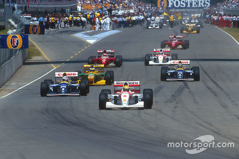 Ayrton Senna, McLaren lidera a Alain Prost, Williams; Michael Schumacher, Benetton; Damon Hill, Will