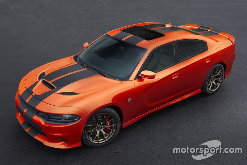 Dodge Charger SRT version Go Mango