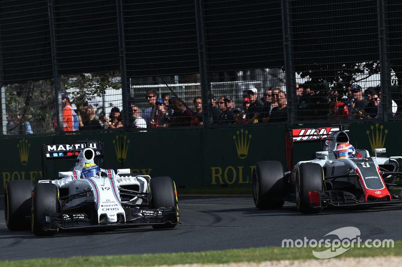 Felipe Massa, Williams FW38 und Romain Grosjean, Haas F1 Team VF-16